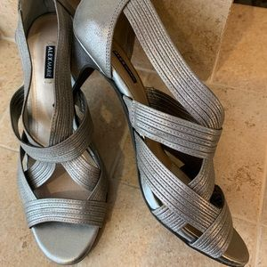 Beautiful pewter gray pumps